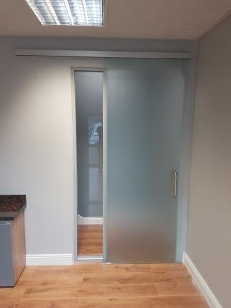 Portavant Sliding Door System